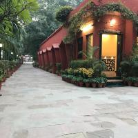 Hotel Sheela, 100m from Taj Mahal
