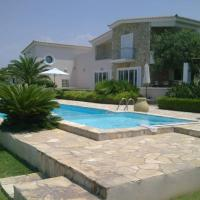 Luxury Villa Flora Kiparissia