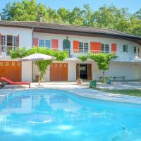 Lavish Villa in Montmaurin with a Swimming Pool
