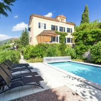 Stylish Villa with Swimming Pool in Grasse