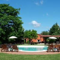 Cosy Cottage in Colonnella with Pool