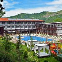 Park Hotel RAYA Garden </h2 </a <div class=sr-card__item sr-card__item--badges <div style=padding: 2px 0  <div class=bui-review-score c-score bui-review-score--smaller <div class=bui-review-score__badge aria-label=Ohodnotené na 8,6 8,6 </div <div class=bui-review-score__content <div class=bui-review-score__title Vynikajúce </div </div </div   </div </div <div class=sr-card__item   data-ga-track=click data-ga-category=SR Card Click data-ga-action=Hotel location data-ga-label=book_window:  day(s)  <svg alt=Poloha ubytovania class=bk-icon -iconset-geo_pin sr_svg__card_icon height=12 width=12<use xlink:href=#icon-iconset-geo_pin</use</svg <div class= sr-card__item__content   Veliko Tărnovo • <span 1,9 km </span  od centra </div </div </div </div </div </li <div data-et-view=cJaQWPWNEQEDSVWe:1</div <li id=hotel_2266443 data-is-in-favourites=0 data-hotel-id='2266443' class=sr-card sr-card--arrow bui-card bui-u-bleed@small js-sr-card m_sr_info_icons card-halved card-halved--active   <div data-href=/hotel/bg/rooster-hostel.sk.html onclick=window.open(this.getAttribute('data-href')); target=_blank class=sr-card__row bui-card__content data-et-click=  <div class=sr-card__image js-sr_simple_card_hotel_image has-debolded-deal js-lazy-image sr-card__image--lazy data-src=https://r-cf.bstatic.com/xdata/images/hotel/square200/93299350.jpg?k=1c704930f85538a40414cd25666e7ae52c57560a129adc41e0c08b2d6e7bec68&o=&s=1,https://q-cf.bstatic.com/xdata/images/hotel/max1024x768/93299350.jpg?k=491667ca4fe3e6ca215f490f152dfe663147afba16131fb2c974d9d13dd03a01&o=&s=1  <div class=sr-card__image-inner css-loading-hidden </div <noscript <div class=sr-card__image--nojs style=background-image: url('https://r-cf.bstatic.com/xdata/images/hotel/square200/93299350.jpg?k=1c704930f85538a40414cd25666e7ae52c57560a129adc41e0c08b2d6e7bec68&o=&s=1')</div </noscript </div <div class=sr-card__details data-et-click=     data-et-view=  <div class=sr-card_details__inner <a href=/hotel/bg/rooster-hostel.sk.html onclick=event.stopPropagation(); target=_blank <h2 class=sr-card__name u-margin:0 u-padding:0 data-ga-track=click data-ga-category=SR Card Click data-ga-action=Hotel name data-ga-label=book_window:  day(s)  Rooster Hostel </h2 </a <div class=sr-card__item sr-card__item--badges <div style=padding: 2px 0  <div class=bui-review-score c-score bui-review-score--smaller <div class=bui-review-score__badge aria-label=Ohodnotené na 9,4 9,4 </div <div class=bui-review-score__content <div class=bui-review-score__title Super </div </div </div   </div </div <div class=sr-card__item   data-ga-track=click data-ga-category=SR Card Click data-ga-action=Hotel location data-ga-label=book_window:  day(s)  <svg alt=Poloha ubytovania class=bk-icon -iconset-geo_pin sr_svg__card_icon height=12 width=12<use xlink:href=#icon-iconset-geo_pin</use</svg <div class= sr-card__item__content   Veliko Tărnovo • <span 600 m </span  od centra </div </div </div </div </div </li <div data-et-view=cJaQWPWNEQEDSVWe:1</div <li id=hotel_177031 data-is-in-favourites=0 data-hotel-id='177031' class=sr-card sr-card--arrow bui-card bui-u-bleed@small js-sr-card m_sr_info_icons card-halved card-halved--active   <div data-href=/hotel/bg/premier.sk.html onclick=window.open(this.getAttribute('data-href')); target=_blank class=sr-card__row bui-card__content data-et-click=  <div class=sr-card__image js-sr_simple_card_hotel_image has-debolded-deal js-lazy-image sr-card__image--lazy data-src=https://r-cf.bstatic.com/xdata/images/hotel/square200/33338519.jpg?k=6c96a1d7f7d9c1bca7a53d14aebf3f9c1a55d1f1c88d54b2be3f816a51cf231a&o=&s=1,https://r-cf.bstatic.com/xdata/images/hotel/max1024x768/33338519.jpg?k=1093a1aad479c70df7af93a8e31e4d609fb71bb6da49a226131d830016776224&o=&s=1  <div class=sr-card__image-inner css-loading-hidden </div <noscript <div class=sr-card__image--nojs style=background-image: url('https://r-cf.bstatic.com/xdata/images/hotel/square200/33338519.jpg?k=6c96a1d7f7d9c1bca7a53d14aebf3f9c1a55d1f1c88d54b2be3f816a51cf231a&o=&s=1')</div </noscript </div <div class=sr-card__details data-et-click=     data-et-view=  <div class=sr-card_details__inner <a href=/hotel/bg/premier.sk.html onclick=event.stopPropagation(); target=_blank <h2 class=sr-card__name u-margin:0 u-padding:0 data-ga-track=click data-ga-category=SR Card Click data-ga-action=Hotel name data-ga-label=book_window:  day(s)  Business Hotel Premier </h2 </a <div class=sr-card__item sr-card__item--badges <div class= sr-card__badge sr-card__badge--class u-margin:0  data-ga-track=click data-ga-category=SR Card Click data-ga-action=Hotel rating data-ga-label=book_window:  day(s)  <i class= bk-icon-wrapper bk-icon-stars star_track  title=4 hviezdičiek  <svg aria-hidden=true class=bk-icon -sprite-ratings_stars_4 focusable=false height=10 width=43<use xlink:href=#icon-sprite-ratings_stars_4</use</svg                     <span class=invisible_spoken4 hviezdičiek</span </i </div   <div style=padding: 2px 0  <div class=bui-review-score c-score bui-review-score--smaller <div class=bui-review-score__badge aria-label=Ohodnotené na 7,8 7,8 </div <div class=bui-review-score__content <div class=bui-review-score__title Dobré </div </div </div   </div </div <div class=sr-card__item   data-ga-track=click data-ga-category=SR Card Click data-ga-action=Hotel location data-ga-label=book_window:  day(s)  <svg alt=Poloha ubytovania class=bk-icon -iconset-geo_pin sr_svg__card_icon height=12 width=12<use xlink:href=#icon-iconset-geo_pin</use</svg <div class= sr-card__item__content   Veliko Tărnovo • <span 200 m </span  od centra </div </div </div </div </div </li <div data-et-view=YdXfCDWOOWNTUMKHcWIbVTeMAFQZHT:2</div <div data-et-view=cJaQWPWNEQEDSVWe:1</div <li id=hotel_1912456 data-is-in-favourites=0 data-hotel-id='1912456' class=sr-card sr-card--arrow bui-card bui-u-bleed@small js-sr-card m_sr_info_icons card-halved card-halved--active   <div data-href=/hotel/bg/studio-na8.sk.html onclick=window.open(this.getAttribute('data-href')); target=_blank class=sr-card__row bui-card__content data-et-click=  <div class=sr-card__image js-sr_simple_card_hotel_image has-debolded-deal js-lazy-image sr-card__image--lazy data-src=https://q-cf.bstatic.com/xdata/images/hotel/square200/76620630.jpg?k=e43680950169f3e27f0ff0bf5db73d4c9f8abf3bcb76f9aa22b1227a66c48e7b&o=&s=1,https://q-cf.bstatic.com/xdata/images/hotel/max1024x768/76620630.jpg?k=c95610565865cedaefeebe345bb9157157e0caf0b21b31ff437614dc807ff618&o=&s=1  <div class=sr-card__image-inner css-loading-hidden </div <noscript <div class=sr-card__image--nojs style=background-image: url('https://q-cf.bstatic.com/xdata/images/hotel/square200/76620630.jpg?k=e43680950169f3e27f0ff0bf5db73d4c9f8abf3bcb76f9aa22b1227a66c48e7b&o=&s=1')</div </noscript </div <div class=sr-card__details data-et-click=     data-et-view=  <div class=sr-card_details__inner <a href=/hotel/bg/studio-na8.sk.html onclick=event.stopPropagation(); target=_blank <h2 class=sr-card__name u-margin:0 u-padding:0 data-ga-track=click data-ga-category=SR Card Click data-ga-action=Hotel name data-ga-label=book_window:  day(s)  Leon Rent Studio 8 </h2 </a <div class=sr-card__item sr-card__item--badges <div class= sr-card__badge sr-card__badge--class u-margin:0  data-ga-track=click data-ga-category=SR Card Click data-ga-action=Hotel rating data-ga-label=book_window:  day(s)  <i class= bk-icon-wrapper bk-icon-stars star_track  title=2 hviezdičiek  <svg aria-hidden=true class=bk-icon -sprite-ratings_stars_2 focusable=false height=10 width=21<use xlink:href=#icon-sprite-ratings_stars_2</use</svg                     <span class=invisible_spoken2 hviezdičiek</span </i </div   <div style=padding: 2px 0  <div class=bui-review-score c-score bui-review-score--smaller <div class=bui-review-score__badge aria-label=Ohodnotené na 9,8 9,8 </div <div class=bui-review-score__content <div class=bui-review-score__title Skutočne výnimočné </div </div </div   </div </div <div class=sr-card__item   data-ga-track=click data-ga-category=SR Card Click data-ga-action=Hotel location data-ga-label=book_window:  day(s)  <svg alt=Poloha ubytovania class=bk-icon -iconset-geo_pin sr_svg__card_icon height=12 width=12<use xlink:href=#icon-iconset-geo_pin</use</svg <div class= sr-card__item__content   Veliko Tărnovo • <span 250 m </span  od centra </div </div </div </div </div </li <div data-et-view=cJaQWPWNEQEDSVWe:1</div <li id=hotel_423787 data-is-in-favourites=0 data-hotel-id='423787' class=sr-card sr-card--arrow bui-card bui-u-bleed@small js-sr-card m_sr_info_icons card-halved card-halved--active   <div data-href=/hotel/bg/meridian-bolyarski.sk.html onclick=window.open(this.getAttribute('data-href')); target=_blank class=sr-card__row bui-card__content data-et-click=  <div class=sr-card__image js-sr_simple_card_hotel_image has-debolded-deal js-lazy-image sr-card__image--lazy data-src=https://r-cf.bstatic.com/xdata/images/hotel/square200/10798111.jpg?k=be17a2184bb28d1240fe2902fe5be457a17ed7aa658fca8237578a15945fc691&o=&s=1,https://q-cf.bstatic.com/xdata/images/hotel/max1024x768/10798111.jpg?k=8698cfede3cfdc2a1e6c861ee18f880de4869062300551358bc7157ace1b9ac2&o=&s=1  <div class=sr-card__image-inner css-loading-hidden </div <noscript <div class=sr-card__image--nojs style=background-image: url('https://r-cf.bstatic.com/xdata/images/hotel/square200/10798111.jpg?k=be17a2184bb28d1240fe2902fe5be457a17ed7aa658fca8237578a15945fc691&o=&s=1')</div </noscript </div <div class=sr-card__details data-et-click=     data-et-view=  <div class=sr-card_details__inner <a href=/hotel/bg/meridian-bolyarski.sk.html onclick=event.stopPropagation(); target=_blank <h2 class=sr-card__name u-margin:0 u-padding:0 data-ga-track=click data-ga-category=SR Card Click data-ga-action=Hotel name data-ga-label=book_window:  day(s)  Meridian Hotel Bolyarski </h2 </a <div class=sr-card__item sr-card__item--badges <div class= sr-card__badge sr-card__badge--class u-margin:0  data-ga-track=click data-ga-category=SR Card Click data-ga-action=Hotel rating data-ga-label=book_window:  day(s)  <i class= bk-icon-wrapper bk-icon-stars star_track  title=4 hviezdičiek  <svg aria-hidden=true class=bk-icon -sprite-ratings_stars_4 focusable=false height=10 width=43<use xlink:href=#icon-sprite-ratings_stars_4</use</svg                     <span class=invisible_spoken4 hviezdičiek</span </i </div   <div style=padding: 2px 0  <div class=bui-review-score c-score bui-review-score--smaller <div class=bui-review-score__badge aria-label=Ohodnotené na 8,5 8,5 </div <div class=bui-review-score__content <div class=bui-review-score__title Veľmi dobré </div </div </div   </div </div <div class=sr-card__item   data-ga-track=click data-ga-category=SR Card Click data-ga-action=Hotel location data-ga-label=book_window:  day(s)  <svg alt=Poloha ubytovania class=bk-icon -iconset-geo_pin sr_svg__card_icon height=12 width=12<use xlink:href=#icon-iconset-geo_pin</use</svg <div class= sr-card__item__content   Veliko Tărnovo • <span 550 m </span  od centra </div </div </div </div </div </li <div data-et-view=cJaQWPWNEQEDSVWe:1</div <li id=hotel_29514 data-is-in-favourites=0 data-hotel-id='29514' class=sr-card sr-card--arrow bui-card bui-u-bleed@small js-sr-card m_sr_info_icons card-halved card-halved--active   <div data-href=/hotel/bg/family-silvestar.sk.html onclick=window.open(this.getAttribute('data-href')); target=_blank class=sr-card__row bui-card__content data-et-click=  <div class=sr-card__image js-sr_simple_card_hotel_image has-debolded-deal js-lazy-image sr-card__image--lazy data-src=https://r-cf.bstatic.com/xdata/images/hotel/square200/27237161.jpg?k=f8019771169282b180eb7f675c7ce8400070114dfcacfc76cd0a8d2592ec284b&o=&s=1,https://q-cf.bstatic.com/xdata/images/hotel/max1024x768/27237161.jpg?k=ff1f54d9133744b443c2e774beb1f2f3e41ed542aa566e472fed5c450cff70f1&o=&s=1  <div class=sr-card__image-inner css-loading-hidden </div <noscript <div class=sr-card__image--nojs style=background-image: url('https://r-cf.bstatic.com/xdata/images/hotel/square200/27237161.jpg?k=f8019771169282b180eb7f675c7ce8400070114dfcacfc76cd0a8d2592ec284b&o=&s=1')</div </noscript </div <div class=sr-card__details data-et-click=     data-et-view=  <div class=sr-card_details__inner <a href=/hotel/bg/family-silvestar.sk.html onclick=event.stopPropagation(); target=_blank <h2 class=sr-card__name u-margin:0 u-padding:0 data-ga-track=click data-ga-category=SR Card Click data-ga-action=Hotel name data-ga-label=book_window:  day(s)  Family Hotel Silvestar </h2 </a <div class=sr-card__item sr-card__item--badges <div class= sr-card__badge sr-card__badge--class u-margin:0  data-ga-track=click data-ga-category=SR Card Click data-ga-action=Hotel rating data-ga-label=book_window:  day(s)  <i class= bk-icon-wrapper bk-icon-stars star_track  title=3 hviezdičiek  <svg aria-hidden=true class=bk-icon -sprite-ratings_stars_3 focusable=false height=10 width=32<use xlink:href=#icon-sprite-ratings_stars_3</use</svg                     <span class=invisible_spoken3 hviezdičiek</span </i </div   <div style=padding: 2px 0  <div class=bui-review-score c-score bui-review-score--smaller <div class=bui-review-score__badge aria-label=Ohodnotené na 8,6 8,6 </div <div class=bui-review-score__content <div class=bui-review-score__title Vynikajúce </div </div </div   </div </div <div class=sr-card__item   data-ga-track=click data-ga-category=SR Card Click data-ga-action=Hotel location data-ga-label=book_window:  day(s)  <svg alt=Poloha ubytovania class=bk-icon -iconset-geo_pin sr_svg__card_icon height=12 width=12<use xlink:href=#icon-iconset-geo_pin</use</svg <div class= sr-card__item__content   Veliko Tărnovo • <span 1 km </span  od centra </div </div </div </div </div </li <div data-et-view=cJaQWPWNEQEDSVWe:1</div <li id=hotel_29059 data-is-in-favourites=0 data-hotel-id='29059' class=sr-card sr-card--arrow bui-card bui-u-bleed@small js-sr-card m_sr_info_icons card-halved card-halved--active   <div data-href=/hotel/bg/hotealegrovelikoturn.sk.html onclick=window.open(this.getAttribute('data-href')); target=_blank class=sr-card__row bui-card__content data-et-click=  <div class=sr-card__image js-sr_simple_card_hotel_image has-debolded-deal js-lazy-image sr-card__image--lazy data-src=https://q-cf.bstatic.com/xdata/images/hotel/square200/75893516.jpg?k=cbe723ff5c4ad3b5367bae07ebbf242527db3d6e27239a8a10790c546c188bad&o=&s=1,https://q-cf.bstatic.com/xdata/images/hotel/max1024x768/75893516.jpg?k=ad6e71eebcb1a9dcde60ecc4b886fbbb9f21662bf78b5210a27423bd0cb43f6d&o=&s=1  <div class=sr-card__image-inner css-loading-hidden </div <noscript <div class=sr-card__image--nojs style=background-image: url('https://q-cf.bstatic.com/xdata/images/hotel/square200/75893516.jpg?k=cbe723ff5c4ad3b5367bae07ebbf242527db3d6e27239a8a10790c546c188bad&o=&s=1')</div </noscript </div <div class=sr-card__details data-et-click=     data-et-view=  <div class=sr-card_details__inner <a href=/hotel/bg/hotealegrovelikoturn.sk.html onclick=event.stopPropagation(); target=_blank <h2 class=sr-card__name u-margin:0 u-padding:0 data-ga-track=click data-ga-category=SR Card Click data-ga-action=Hotel name data-ga-label=book_window:  day(s)  Hotel Alegro </h2 </a <div class=sr-card__item sr-card__item--badges <div class= sr-card__badge sr-card__badge--class u-margin:0  data-ga-track=click data-ga-category=SR Card Click data-ga-action=Hotel rating data-ga-label=book_window:  day(s)  <i class= bk-icon-wrapper bk-icon-stars star_track  title=3 hviezdičiek  <svg aria-hidden=true class=bk-icon -sprite-ratings_stars_3 focusable=false height=10 width=32<use xlink:href=#icon-sprite-ratings_stars_3</use</svg                     <span class=invisible_spoken3 hviezdičiek</span </i </div   <div style=padding: 2px 0  <div class=bui-review-score c-score bui-review-score--smaller <div class=bui-review-score__badge aria-label=Ohodnotené na 8,7 8,7 </div <div class=bui-review-score__content <div class=bui-review-score__title Vynikajúce </div </div </div   </div </div <div class=sr-card__item   data-ga-track=click data-ga-category=SR Card Click data-ga-action=Hotel location data-ga-label=book_window:  day(s)  <svg alt=Poloha ubytovania class=bk-icon -iconset-geo_pin sr_svg__card_icon height=12 width=12<use xlink:href=#icon-iconset-geo_pin</use</svg <div class= sr-card__item__content   Veliko Tărnovo • <span 200 m </span  od centra </div </div </div </div </div </li <div data-et-view=cJaQWPWNEQEDSVWe:1</div <li id=hotel_177400 data-is-in-favourites=0 data-hotel-id='177400' class=sr-card sr-card--arrow bui-card bui-u-bleed@small js-sr-card m_sr_info_icons card-halved card-halved--active   <div data-href=/hotel/bg/akvaya.sk.html onclick=window.open(this.getAttribute('data-href')); target=_blank class=sr-card__row bui-card__content data-et-click=  <div class=sr-card__image js-sr_simple_card_hotel_image has-debolded-deal js-lazy-image sr-card__image--lazy data-src=https://q-cf.bstatic.com/xdata/images/hotel/square200/52398746.jpg?k=263f096ffc2ea5613b6cddee5f49179feedc80b19e9c4c706cc1402969d9265d&o=&s=1,https://r-cf.bstatic.com/xdata/images/hotel/max1024x768/52398746.jpg?k=9c81578d1ddd14a27a44fb18a3fe4d03c25d48513ef62db09d0b534a9e2ebc71&o=&s=1  <div class=sr-card__image-inner css-loading-hidden </div <noscript <div class=sr-card__image--nojs style=background-image: url('https://q-cf.bstatic.com/xdata/images/hotel/square200/52398746.jpg?k=263f096ffc2ea5613b6cddee5f49179feedc80b19e9c4c706cc1402969d9265d&o=&s=1')</div </noscript </div <div class=sr-card__details data-et-click=     data-et-view=  <div class=sr-card_details__inner <a href=/hotel/bg/akvaya.sk.html onclick=event.stopPropagation(); target=_blank <h2 class=sr-card__name u-margin:0 u-padding:0 data-ga-track=click data-ga-category=SR Card Click data-ga-action=Hotel name data-ga-label=book_window:  day(s)  Hotel Akvaya </h2 </a <div class=sr-card__item sr-card__item--badges <div class= sr-card__badge sr-card__badge--class u-margin:0  data-ga-track=click data-ga-category=SR Card Click data-ga-action=Hotel rating data-ga-label=book_window:  day(s)  <i class= bk-icon-wrapper bk-icon-stars star_track  title=3 hviezdičiek  <svg aria-hidden=true class=bk-icon -sprite-ratings_stars_3 focusable=false height=10 width=32<use xlink:href=#icon-sprite-ratings_stars_3</use</svg                     <span class=invisible_spoken3 hviezdičiek</span </i </div   <div style=padding: 2px 0  <div class=bui-review-score c-score bui-review-score--smaller <div class=bui-review-score__badge aria-label=Ohodnotené na 8,4 8,4 </div <div class=bui-review-score__content <div class=bui-review-score__title Veľmi dobré </div </div </div   </div </div <div class=sr-card__item   data-ga-track=click data-ga-category=SR Card Click data-ga-action=Hotel location data-ga-label=book_window:  day(s)  <svg alt=Poloha ubytovania class=bk-icon -iconset-geo_pin sr_svg__card_icon height=12 width=12<use xlink:href=#icon-iconset-geo_pin</use</svg <div class= sr-card__item__content   Veliko Tărnovo • <span 700 m </span  od centra </div </div </div </div </div </li </ol </div </div <div data-block=pagination <div id=sr_pagination class=sr-pager  sr-pager--end   <span class=sr-pager__label 1 z 8 </span <a class=sr-pager__link js-pagination-next-link href=https://www.booking.com/searchresults.sk.html Ďalej <svg alt=Ďalej class=bk-icon -iconset-navarrow_right sr-pager__icon height=128 width=128<use xlink:href=#icon-iconset-navarrow_right</use</svg </a </div </div <div id=acid_bottom</div <script if( window.performance && performance.measure && 'b-fold') { performance.measure('b-fold'); } </script  <script (function () { if (typeof EventTarget !== 'undefined') { if (typeof EventTarget.prototype.dispatchEvent === 'undefined' && typeof EventTarget.prototype.fireEvent === 'function') { EventTarget.prototype.dispatchEvent = EventTarget.prototype.fireEvent; } } if (typeof window.CustomEvent !== 'function') { // Mobile IE has CustomEvent implemented as Object, this fixes it. var CustomEvent = function(event, params) { // don't delete var evt; params = params || {bubbles: false, cancelable: false, detail: undefined}; try { evt = document.createEvent('CustomEvent'); evt.initCustomEvent(event, params.bubbles, params.cancelable, params.detail); } catch (error) { // fallback for browsers that don't support createEvent('CustomEvent') evt = document.createEvent(Event); for (var param in params) { evt[param] = params[param]; } evt.initEvent(event, params.bubbles, params.cancelable); } return evt; }; CustomEvent.prototype = window.Event.prototype; window.CustomEvent = CustomEvent; } if (!Element.prototype.matches) { Element.prototype.matches = Element.prototype.matchesSelector || Element.prototype.msMatchesSelector || Element.prototype.oMatchesSelector || Element.prototype.webkitMatchesSelector; } if (!Element.prototype.closest) { Element.prototype.closest = function(s) { var el = this; if (!document.documentElement.contains(el)) return null; do { if (el.matches(s)) return el; el = el.parentElement || el.parentNode; } while (el !== null && el.nodeType === 1); return null; }; } }()); (function(){ var searchboxEl = document.querySelector('.js-searchbox_redesign'); if (!searchboxEl) return; var groupChildren = searchboxEl.querySelector('[name=group_children]'); var childAgesEl = searchboxEl.querySelector('.js-child-ages'); var childAgesLabelEl = searchboxEl.querySelector('.js-child-ages-label'); var ageOptionHTML; var childrenNo; function showChildrenAges() { childAgesEl.style.display = 'block'; childAgesLabelEl.style.display = 'block'; } function hideChildrenAges() { childAgesEl.style.display = 'none'; childAgesLabelEl.style.display = 'none'; } function onGroupChildenChange(e) { var newValue = parseInt(e.target.value); if (newValue  childrenNo) { for (var i = newValue; i  childrenNo; i--) { childAgesEl.insertAdjacentHTML('beforeend', ageOptionHTML); } } else { var els = childAgesEl.querySelectorAll('.js-age-option-container'); for (var i = els.length - 1; i = 0; i--) { if (i = newValue) { var el = els[i]; if (el.parentNode !== null) { el.parentNode.removeChild(el); } } } } if (newValue == 0 && childrenNo  0) { hideChildrenAges(); } if (newValue  0 && childrenNo == 0) { showChildrenAges(); } childrenNo = newValue; } if (groupChildren) { groupChildren.disabled = false; childrenNo = parseInt(groupChildren.value); if (childrenNo  0) { showChildrenAges(); } ageOptionHTML = document.querySelector('#sb-age-option-container').innerHTML; groupChildren.addEventListener('change', onGroupChildenChange); document.addEventListener('cp:sb-group-children-ready', function() { groupChildren.removeEventListener('change', onGroupChildenChange); }); } }()); </script <div class=css-loading-hidden m_lp_below_fold_container <div id=sr_nearby_destinations data-component=sr_lazy_load_nearby_destinations </div </div </div </div <div class= tabbed-nav--content tabbed-nav--content__search tabbed-nav--content__search-with-tabs  data-tab-id=search id=tabbed_search  <div class= sb__tabs js-sb__tabs <div class= sb__tabs__item js-sb__tabs__item active data-id=sb_hotels  <form id=form_search_location class=js-searchbox_redesign searchbox_redesign searchbox_redesign--iphone searchForm searchbox_fullwidth placeholder_clear b-no-tap-highlight name=frm action=/searchresults.sk.html method=get data-component=searchbox/destination/near-me  <input type=hidden value=searchresults name=src <input type=hidden name=rows value=20 / <input type=hidden name=error_url value=https://www.booking.com/index.sk.html; / <input type=hidden name=label value=gen000nr-10CAQoggJCDGNpdHlfLTgzOTUyNEgiWARozQGIAQKYATO4AQXIAQ3YAQPoAQH4AQGIAgGoAgG4Ar6ptu0FwAIB / <input type=hidden name=lang value=sk / <input type=hidden name=sb value=1 <div class=destination-bar <div id=searchbox_tab <div id=input_destination_wrap <input type=hidden name=city value=-839524 / <input type=hidden name=ssne value=Veliko Tărnovo / <input type=hidden name=ssne_untouched value=Veliko Tărnovo / <div class=searchbox_input_with_suggestion ui-autocomplete-root <div class=dest-input--with-icons <svg aria-hidden=true class=bk-icon -fonticon-search bk-icon--search sr-svg--header_icon_search focusable=false height=14 width=15<use xlink:href=#icon-fonticon-search</use</svg <input type=search id=input_destination name=ss spellcheck=false autocapitalize=off autocorrect=off autocomplete=off class= input_destination js-input_dest has_placeholder input_clear_button_input aria-label=Sem zadajte svoju destináciu value=Veliko Tărnovo  <button class=input_clear_button type=button  <svg class=bk-icon -fonticon-aclose bk-icon--aclose sr-svg--header_icon_aclose height=12 width=14<use xlink:href=#icon-fonticon-aclose</use</svg </button </div </div </div <div id=location_loading style=display: none  class= <img id=loading_icon src=https://r-cf.bstatic.com/mobile/images/hotelMarkerImgLoader/211f81a092a43bf96fc2a7b1dff37e5bc08fbbbf.gif alt=Loading your location / Načítava sa aktuálne miesto </div <div id=location_found style=display: none  <div id=location_found_text V okolí aktuálneho miesta </div </div </div </div <fieldset class= searchbox_cals dualcal searchbox_cals_nojs  data-checkin= data-checkout=  <script type=text/html class=js-cal-inputs <input type=hidden name=checkin_monthday value=21 / <input type=hidden name=checkin_year_month value=2019-10 / <input type=hidden name=checkout_monthday value=22 / <input type=hidden name=checkout_year_month value=2019-10 / </script <div class=searchbox_cals_container <div id=ci_date class= bar b-no-tap-highlight js-searchbox__input dualcal__checkin  data-action=toggle data-clicked-before-ready=0 data-cal=checkin  <div class=bar--container <label class=dual_cal_label Od </label <div id=ci_date_field <span id=ci_date_text class=m_cal_date_string js-loading-invisible data-checkin-text pon 21. októbra 2019 </span </div <svg class=bk-icon -fonticon-checkin searchbox-icon color=currentColor fill=currentColor height=24 width=24<use xlink:href=#icon-fonticon-checkin</use</svg </div <div id=searchBoxLoaderDateCheckIn class=searchbox-before-ready-loading <div class=pure-css-spinner</div </div <select name=checkin_monthday class=js-cal-nojs-input  <option value=deň</option <option value=1 1</option <option value=2 2</option <option value=3 3</option <option value=4 4</option <option value=5 5</option <option value=6 6</option <option value=7 7</option <option value=8 8</option <option value=9 9</option <option value=10 10</option <option value=11 11</option <option value=12 12</option <option value=13 13</option <option value=14 14</option <option value=15 15</option <option value=16 16</option <option value=17 17</option <option value=18 18</option <option value=19 19</option <option value=20 20</option <option value=21 selected=selected 21</option <option value=22 22</option <option value=23 23</option <option value=24 24</option <option value=25 25</option <option value=26 26</option <option value=27 27</option <option value=28 28</option <option value=29 29</option <option value=30 30</option <option value=31 31</option </select <select name=checkin_year_month class=js-cal-nojs-input  <option value=mesiac</option <option value=2019-10 selected=selected  október 2019 </option <option value=2019-11  november 2019 </option <option value=2019-12  december 2019 </option <option value=2020-1  január 2020 </option <option value=2020-2  február 2020 </option <option value=2020-3  marec 2020 </option <option value=2020-4  apríl 2020 </option <option value=2020-5  máj 2020 </option <option value=2020-6  jún 2020 </option <option value=2020-7  júl 2020 </option <option value=2020-8  august 2020 </option <option value=2020-9  september 2020 </option <option value=2020-10  október 2020 </option </select <input type=hidden disabled id=ci_date_input name=checkin value=2019-10-21 / </div <div id=co_date class= bar b-no-tap-highlight js-searchbox__input dualcal__checkout  data-action=toggle data-clicked-before-ready=0 data-cal=checkout  <div class=bar--container <label class=dual_cal_label Do </label <div id=co_date_field <span id=co_date_text class=m_cal_date_string js-loading-invisible data-checkout-text ut 22. októbra 2019 </span </div <svg class=bk-icon -fonticon-checkin searchbox-icon color=currentColor fill=currentColor height=24 width=24<use xlink:href=#icon-fonticon-checkin</use</svg <div id=searchBoxLoaderDateCheckOut class=searchbox-before-ready-loading <div class=pure-css-spinner</div </div </div <select name=checkout_monthday class=js-cal-nojs-input  <option value=deň</option <option value=1 1</option <option value=2 2</option <option value=3 3</option <option value=4 4</option <option value=5 5</option <option value=6 6</option <option value=7 7</option <option value=8 8</option <option value=9 9</option <option value=10 10</option <option value=11 11</option <option value=12 12</option <option value=13 13</option <option value=14 14</option <option value=15 15</option <option value=16 16</option <option value=17 17</option <option value=18 18</option <option value=19 19</option <option value=20 20</option <option value=21 21</option <option value=22 selected=selected 22</option <option value=23 23</option <option value=24 24</option <option value=25 25</option <option value=26 26</option <option value=27 27</option <option value=28 28</option <option value=29 29</option <option value=30 30</option <option value=31 31</option </select <select name=checkout_year_month class=js-cal-nojs-input  <option value=mesiac</option <option value=2019-10 selected=selected  október 2019 </option <option value=2019-11  november 2019 </option <option value=2019-12  december 2019 </option <option value=2020-1  január 2020 </option <option value=2020-2  február 2020 </option <option value=2020-3  marec 2020 </option <option value=2020-4  apríl 2020 </option <option value=2020-5  máj 2020 </option <option value=2020-6  jún 2020 </option <option value=2020-7  júl 2020 </option <option value=2020-8  august 2020 </option <option value=2020-9  september 2020 </option <option value=2020-10  október 2020 </option </select <input type=hidden id=co_date_input disabled name=checkout value=2019-10-22 / </div </div <div class=dualcal-pikaday pikaday-checkin checkInCal css-loading-hidden pikaday-highlighted-weekends  </div <div class=dualcal-pikaday pikaday-checkout checkOutCal css-loading-hidden pikaday-highlighted-weekends  </div </fieldset <input class=js-first-room-param-setup type=hidden name=room1 value=A,A disabled / <input class=pageshow-anchor type=hidden autocomplete=on value= <fieldset class=group_search group_options js-searchbox__input b-no-tap-highlight  <label class=group_options_label   <span class=group_options_label--text Dospelí</span <select class=group_adults name=group_adults  <optgroup <option value=11</option <option value=2 selected=selected2</option <option value=33</option <option value=44</option <option value=55</option <option value=66</option <option value=77</option <option value=88</option <option value=99</option <option value=1010</option <option value=1111</option <option value=1212</option <option value=1313</option <option value=1414</option <option value=1515</option <option value=1616</option <option value=1717</option <option value=1818</option <option value=1919</option <option value=2020</option <option value=2121</option <option value=2222</option <option value=2323</option <option value=2424</option <option value=2525</option <option value=2626</option <option value=2727</option <option value=2828</option <option value=2929</option <option value=3030</option </optgroup </select </label <label class=group_options_label <span class=group_options_label--text Deti </span <select name=group_children class=group_children  <optgroup <option value=0 selected=selected0</option <option value=11</option <option value=22</option <option value=33</option <option value=44</option <option value=55</option <option value=66</option <option value=77</option <option value=88</option <option value=99</option <option value=1010</option </optgroup </select </label <label class=group_options_label js-sr-rooms-selector group_options_label_last<span class=group_options_label--textIzby</span<select class=group_rooms name=no_rooms<optgroup<option  value=11</option<option  value=22</option<option  value=33</option<option  value=44</option<option  value=55</option<option  value=66</option<option  value=77</option<option  value=88</option<option  value=99</option<option  value=1010</option<option  value=1111</option<option  value=1212</option<option  value=1313</option<option  value=1414</option<option  value=1515</option<option  value=1616</option<option  value=1717</option<option  value=1818</option<option  value=1919</option<option  value=2020</option<option  value=2121</option<option  value=2222</option<option  value=2323</option<option  value=2424</option<option  value=2525</option<option  value=2626</option<option  value=2727</option<option  value=2828</option<option  value=2929</option<option  value=3030</option</optgroup</select</label <label class=child_ages_label js-child-ages-label Vek detí v deň odchodu </label <div class=clx child_ages js-child-ages </div </fieldset <input type=hidden name=search_form_id value=c8014fdfa07a007f <fieldset class=searchbox_purpose searchbox_purpose__radios data-component=searchbox/travel-purpose/hint <div class=searchbox--radio-group <div class=searchbox--radio-group--label js-travel-purpose-label <span class=searchbox--radio-group--text Ide o služobný pobyt? </span <svg class=bk-icon -fonticon-questionmarkcircle searchbox--radio-group--hintmark css-loading-hidden height=16 width=16<use xlink:href=#icon-fonticon-questionmarkcircle</use</svg </div <div class=searchbox--radio-group--hintbox css-loading-hidden <span class=searchbox--radio-group--hintbox-text Ak cestujete služobne, v hornej časti menu s filtrami sa vám zobrazia najpoužívanejšie filtre hostí na služobných cestách. </span </div <label class=searchbox--radio-group--item searchbox--radio-group--item__business <input name=sb_travel_purpose type=radio class=searchbox--radio-group--input value=business  <span class=searchbox--radio-group--text Áno </span </label <label class=searchbox--radio-group--item searchbox--radio-group--item__leisure <input name=sb_travel_purpose type=radio class=searchbox--radio-group--input value=leisure  <span class=searchbox--radio-group--text Nie </span </label </div </fieldset <button id=submit_search class=primary_cta js_submit_search js-searchbox__input b-no-tap-highlight m_bigger_search_button type=submit title=Hľadajte hotely Hľadať </button </form <template id=sb-age-option-container <div class=age_option-container  js-age-option-container <select name=age class=age <optgroup <option value=0 selected  0 </option <option value=1  1 </option <option value=2  2 </option <option value=3  3 </option <option value=4  4 </option <option value=5  5 </option <option value=6  6 </option <option value=7  7 </option <option value=8  8 </option <option value=9  9 </option <option value=10  10 </option <option value=11  11 </option <option value=12  12 </option <option value=13  13 </option <option value=14  14 </option <option value=15  15 </option <option value=16  16 </option <option value=17  17 </option </optgroup </select </div </template </div </div <a class=iam-banner-link href=https://account.booking.com/auth/oauth2?aid=304142&lang=sk&state=UvMBSWktIJV5rTiMDz0xvBHqGPYF5PElPw0zLNQcyEmvmEsj0Iyi84LMtupVJBuGaVrFDvS8dPzHV4p6WyNvPOWzS_vjmio6MCUV356Kt3FtA2eQbUy4mIIkpbCNQVmNELRqKaDBMNrWUPYPFB-2Xgq0pQZkY1FUE0OJ3jHc8Hrwga8srW7MxBH0aavxAzMPNE6Fdk5NwsS5FjmZq2WcfQVKLqvHcrhesoIjEu2jiKq4gZHmrhhcJA6tPwECBJMBSXkx9argSOOPCVwW0ZU1bN2Ksf1KsCKficGY5WY3FLYoBqKM6zIHACtK-yDsU7uYIgUuHOF5&redirect_uri=https%3A%2F%2Fsecure.booking.com%2Flogin.html%3Fop%3Doauth_return&client_id=vO1Kblk7xX9tUn2cpZLS&response_type=code&dt=1571656895 aria-describedby=signin_banner_desc_01 <div class=bui-container <div class=bui-card bui-banner bui-u-bleed@small <svg class=bk-icon -iconset-user_account_outline bui-banner__icon height=24 role=presentation width=24<use xlink:href=#icon-iconset-user_account_outline</use</svg <div class=bui-banner__content <header class=bui-card__header <h1 class=bui-card__titlePrihláste sa a ušetrite viac!</h1 <h2 class=bui-card__subtitle id=signin_banner_desc_01Prihláste sa a získajte najlepšie ceny</h2 </header </div </div </div </a <div class=tabbed-nav--content__search--usps </div </div <div class=tabbed-nav--content tabbed-nav--content__signin data-tab-id=signin data-async-content id=tabbed_signin <div class=tabbed-nav--loader</div <div class=async-signin-retry async-signin-retry__hidden <h3 class=async-signin-retry__headingVyskytla sa chyba.<brSkúste to znova