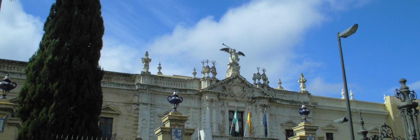 Los 10 mejores hoteles cerca de Universidad de Sevilla en ...