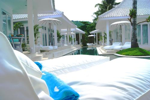 """Harmony Villas Lombok  """"Leave your worries under the palm tree..."""""""