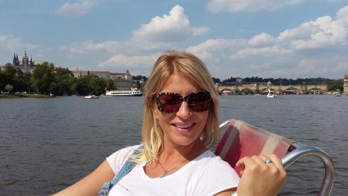 Emma Vladimira