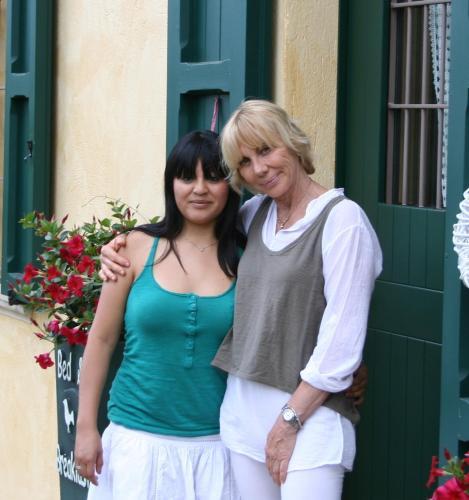 Miriam & Laura