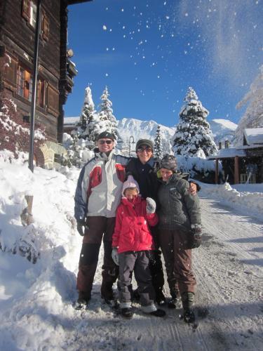 Maristela,Sylvain e filhos