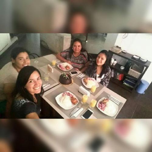Liz , Hellen y Cinthya