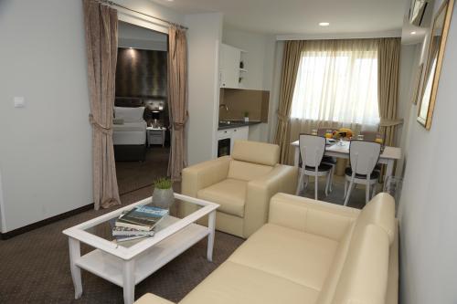 Alexandar Square Apartments