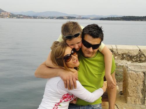 Maggie,Tom & Roko Bacelic