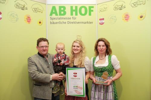 Andreas, Julia, Christine Wilhelm mit Kleinsimon