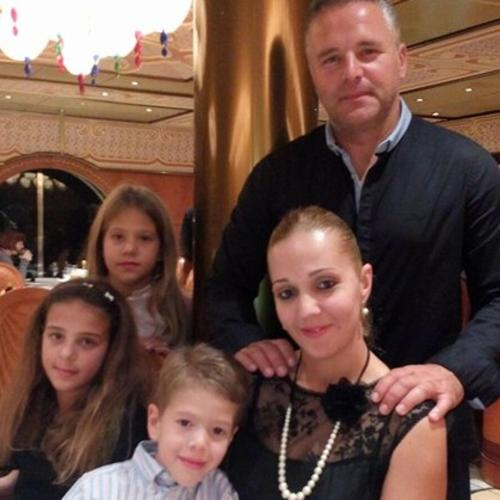Vlasnik hotela Srdjan Kuljača sa porodicom
