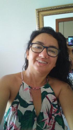 Simone Linhares.