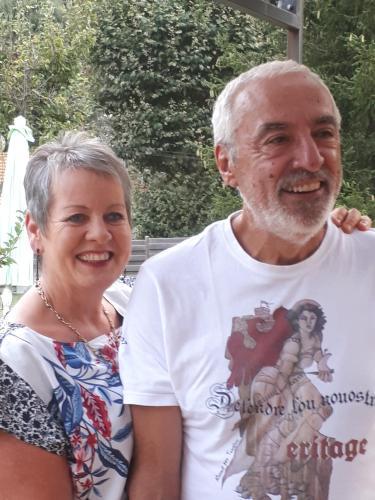 Martine et Jean-Gilbert , vos hôtes.