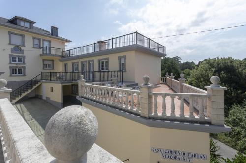 Apartamentos Turísticos Viacoba (España Tapia de Casariego ...