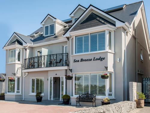 Sea Breeze Lodge.